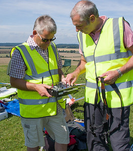 Mike Evans demos Taranis E to John Phillips