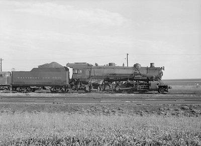 2016.010.FAC5.10375--cole 6x9-12pak neg--B&O--steam locomotive 2-8-2 4515--Riverdale IL--1956 0916