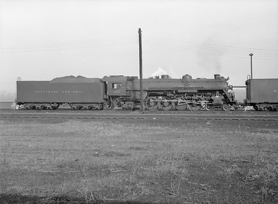 2016.010.FAC5.10036--cole 6x9-12pak neg--B&O--steam locomotive 4-8-2 5568--Riverdale IL--1955 1126