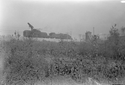 2016.010.FAC6.01613--cole 500 neg--CMStP&P--wreckers at work on wreck of the Varsity--Mayfair IL--1929 1005