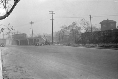 2016.010.FAC6.01609--cole 500 neg--CMStP&P--scene of wreck of the southbound Varsity--Mayfair IL--1929 1005
