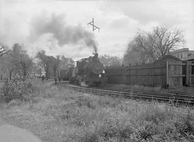 2016.010.FAC6.09473--cole 6x9-8pak neg--CMStP&P--steam locomotive 0-6-0 I6 1526 yard scene action--Clinton IA--1954 1030