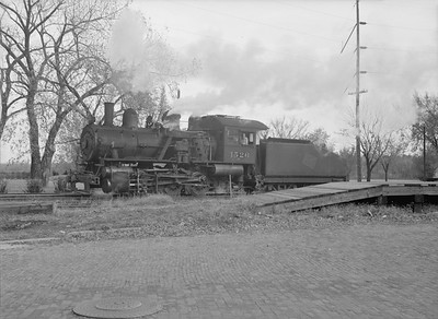 2016.010.FAC6.09472--cole 6x9-8pak neg--CMStP&P--steam locomotive 0-6-0 I6 1526--Clinton IA--1954 1030