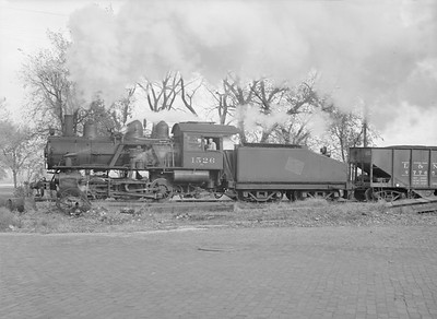 2016.010.FAC6.09474--cole 6x9-8pak neg--CMStP&P--steam locomotive 0-6-0 I6 1526 switching freight cars--Clinton IA--1954 1030