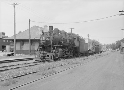 2016.010.FAC6.09168--cole 6x9-8pak neg--CMStP&P--steam locomotive 4-6-0 G7 1083 with work train--Lyons IA--1954 0821