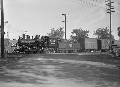 2016.010.FAC6.08778--cole 6x9-8pak neg--CMStP&P--steam locomotive 0-6-0 I5a 1522 with freight cars scene--Clinton IA--1953 1007
