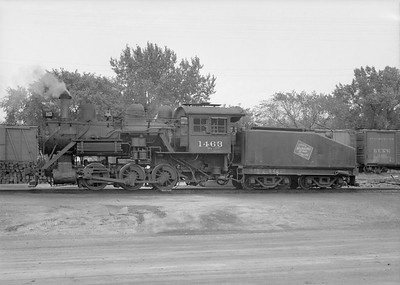2016.010.FAC6.07648--cole 6x9-8pak neg--CMStP&P--steam locomotive 0-6-0 I5a 1463--Winona MN--1950 0917