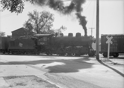 2016.010.FAC6.08274--cole 6x9-8pak neg--CMStP&P--steam locomotive 2-6-2 K1 914 switching cars action--Waseca MN--1952 0903