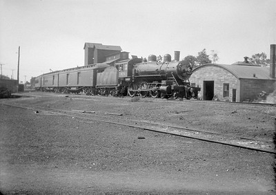 2016.010.FAC1.01835--cole 500 neg--C&NW--steam locomotive 4-6-0 R 875 on passenger train--Crystal Lake IL--1930 0531