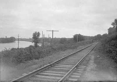 2016.010.FAC1.02279--cole 500 neg--C&NW--view of right-of-way--Elgin IL--1923 0819