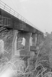 2016.010.FAC1.02390--cole 500 neg--C&NW--bridge--Geneva IL--1924 0727