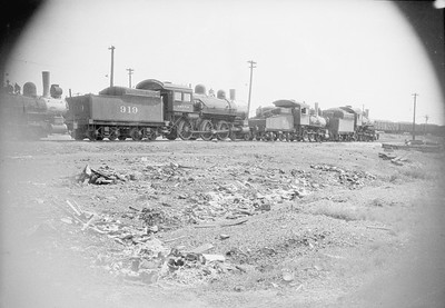 2016.010.FAC1.02429--cole 500 neg--C&NW--steam locomotive 4-6-0 R 919 and others in deadline scene--Proviso IL--1924 0900