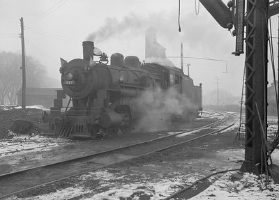 2016.010.FAC2.07197--cole 6x9-8pak neg--C&NW--steam locomotive 4-6-0 R-1 917--Harvard IL--1949 1210