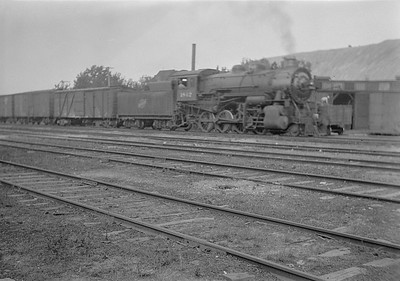 2016.010.FAC1.05671--cole 6x9-8pak neg--C&NW--steam locomotive 2-8-0 Z 1842 on freight train--Spring Valley IL--1930 0823
