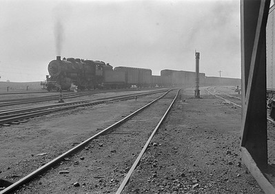 2016.010.FAC1.05665--cole 6x9-8pak neg--C&NW--steam locomotive 2-8-0 Z 1478 on freight train--Nelson IL--1930 0823
