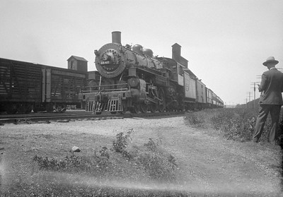 2016.010.FAC1.01808--cole 500 neg--C&NW--steam locomotive 4-6-2 E 1542 on passenger train--Harvard IL--1930 0531