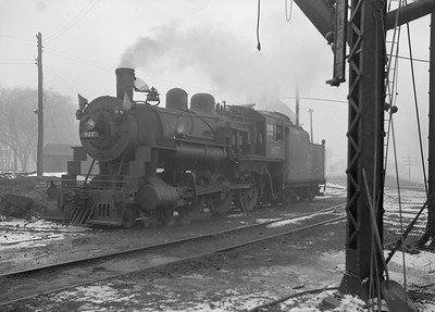 2016.010.FAC2.07198--cole 6x9-8pak neg--C&NW--steam locomotive 4-6-0 R-1 917--Harvard IL--1949 1210
