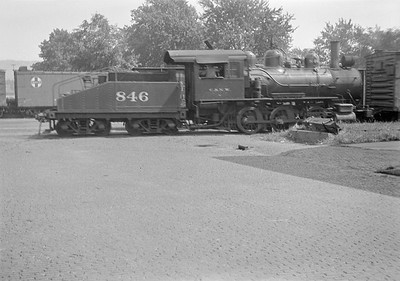 2016.010.FAC1.05551--cole 6x9-8pak neg--C&NW--steam locomotive 0-6-0 M 846--Winona MN--1930 0821