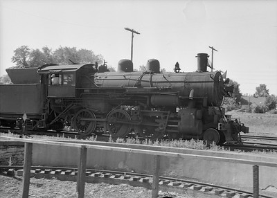 2016.010.FAC2.07369--cole 6x9-8pak neg--C&NW--steam locomotive 4-6-0 R-1 894--Rochester MN--1950 0630