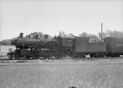 2016.010.FAC2.07368--cole 6x9-8pak neg--C&NW--steam locomotive 4-6-0 R-1 894--Rochester MN--1950 0630