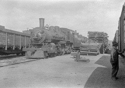 2016.010.FAC1.06186--cole 6x9-8pak neg--C&NW--steam locomotive 4-6-2 L 970 (dead)--Chadron NE--1931 0805