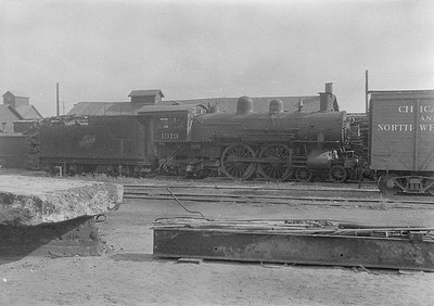 2016.010.FAC1.06193--cole 6x9-8pak neg--C&NW--steam locomotive 4-4-2 D 1313 (dead)--Chadron NE--1931 0805