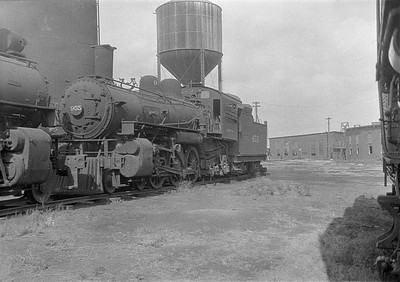 2016.010.FAC1.06190--cole 6x9-8pak neg--C&NW--steam locomotive 4-6-2 L 955 (dead)--Chadron NE--1931 0805