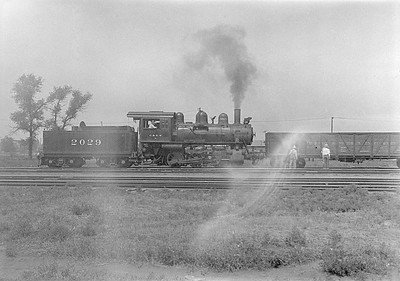 2016.010.FAC1.06123--cole 6x9-8pak neg--C&NW--steam locomotive 0-6-0 M-1 2029--Huron SD--1931 0803