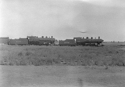 2016.010.FAC1.06113--cole 6x9-8pak neg--C&NW--steam locomotive 4-6-0 R-1 1076 and 1390 (dead)--Huron SD--1931 0803