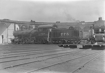 2016.010.FAC1.06125--cole 6x9-8pak neg--C&NW--steam locomotive 4-6-0 775 on turntable at roundhouse--Huron SD--1931 0803