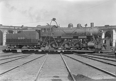2016.010.FAC1.06114--cole 6x9-8pak neg--C&NW--steam locomotive 4-6-0 R-1 440 on turntable--Huron SD--1931 0803