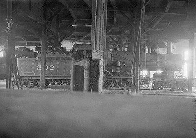 2016.010.FAC1.01814--cole 500 neg--C&NW--steam locomotive 4-4-0 A 202 inside roundhouse--Janesville WI--1930 0531