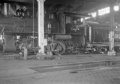 2016.010.FAC1.05424--cole 6x9-8pak neg--C&NW--steam locomotive 0-6-0 M-1 1432 in roundhouse--Madison WI--1930 0818