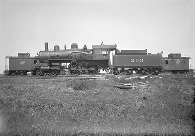 2016.010.FAC1.01821--cole 500 neg--C&NW--steam locomotive B 4-4-0 203 (dead)--Janesville WI--1930 0531