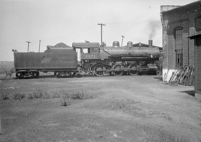 2016.010.FAC1.01810--cole 500 neg--C&NW--steam locomotive 4-6-0 R-1 1371--Janesville WI--1930 0531