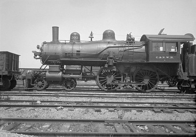 2016.010.FAC1.01817A--cole 500 neg--C&NW--steam locomotive B 4-4-0 203 (dead)--Janesville WI--1930 0531
