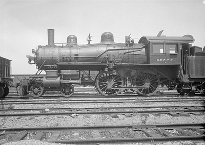 2016.010.FAC1.01823--cole 500 neg--C&NW--steam locomotive B 4-4-0 203 (dead)--Janesville WI--1930 0531