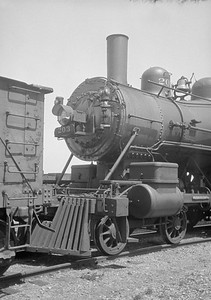2016.010.FAC1.01826--cole 500 neg--C&NW--steam locomotive B 4-4-0 203 (dead)--Janesville WI--1930 0531