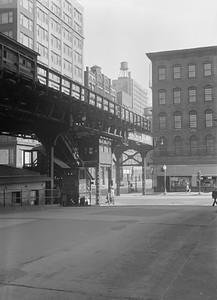 2016.010.FAC5.06710--cole 6x9-12pak neg--Chicago Elevated--old Market St L stub from Civic Opera House looking south at Madison St station and end of line--Chicago IL--1948 0531
