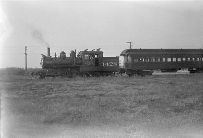 2016.010.FAC5.01575--cole 6x9-12pak neg--ICRR--steam locomotive 2-4-6T 1428 on Addison commuter passenger train--Chicago IL (North Ave)--1929 1006