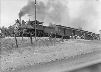 2016.010.FAC5.05011--cole 6x9-12pak neg--MR&BT--steam locomotive 4-4-0 20 on passenger train--St Francis MO--1916 1001