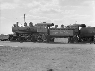 2016.010.FAC5.02092E--cole 3x4 neg--NYC--steam locomotive 4-4-0 999 on display at Pageant of Progress--Chicago IL--1921 0814