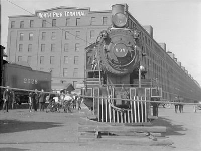 2016.010.FAC5.02092B--cole 3x4 neg--NYC--steam locomotive 4-4-0 999 on display at Pageant of Progress--Chicago IL--1921 0814