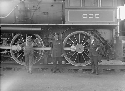 2016.010.FAC5.02093--cole 3x4 neg--NYC--steam locomotive 4-4-0 999 on display at Pageant of Progress--Chicago IL--1921 0814