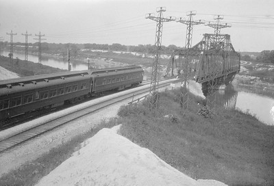 2016.010.FAC5.02387--cole 500-12pak neg--AT&SF--passenger train crossing Sanitary Ship Canal (47th and Ridgeland)--Chicago IL--1924 0713
