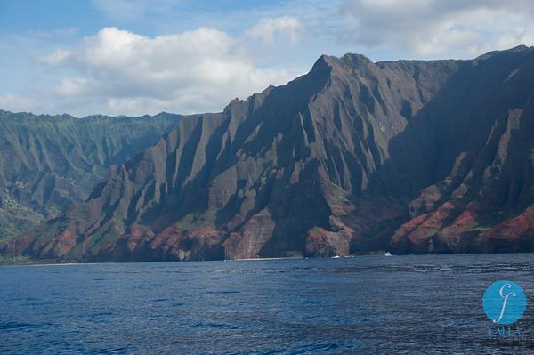HAWAII BEACHES,WAVES,MOUNTAINS