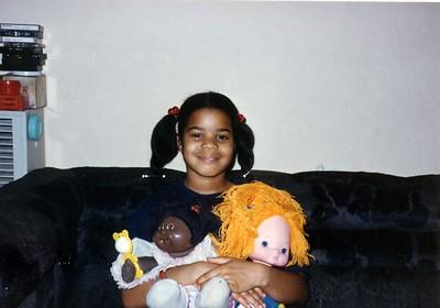 057 Felicia w dolls