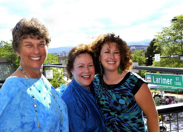 Suzanne, Jan, and Jessi.