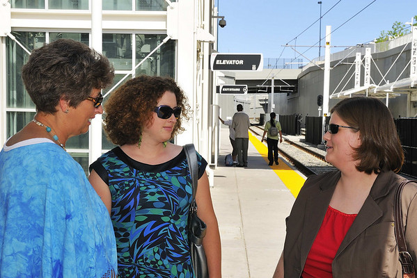 Suzanne, Jessi, and Tiffany at the station.