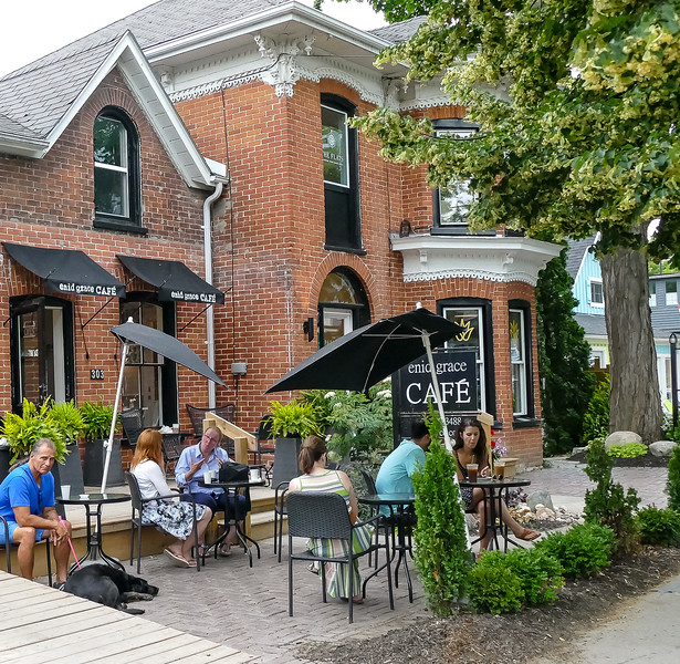 Sunday, before we headed back to Toronto we did a bit of local exploring. Here is a popular cafe around the corner from the Drake.